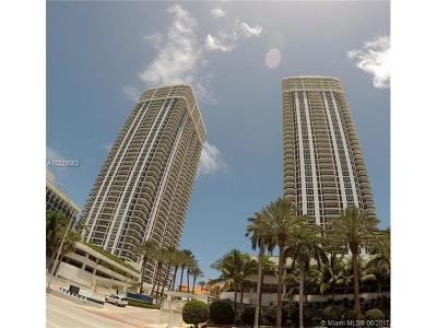 Green Diamond, Green Diamond Condo, Green Diamond Condounit Condo Active-Available: 4775 Collins Ave #505