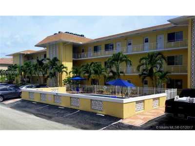 Fort Lauderdale Condo Active-Available: 3061 Northeast 49th St #6