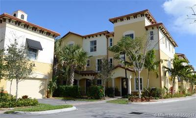 Boynton Beach Condo For Sale: 2690 N Federal Hwy #TH27