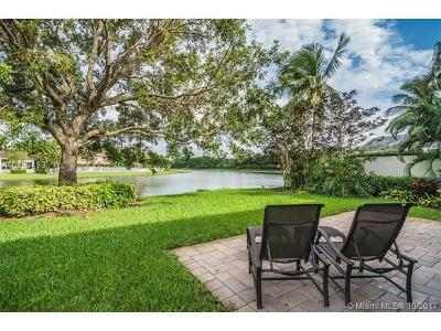 Weston Single Family Home Active-Available: 2545 Bay Pointe Dr