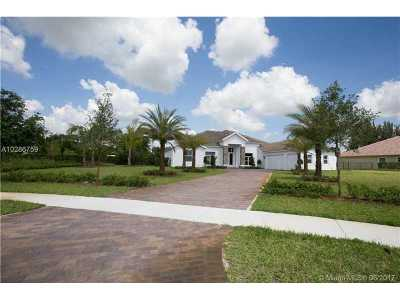 Davie Single Family Home Active-Available: 2675 West Jockey Cir W