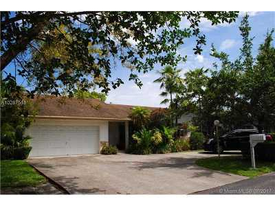 Single Family Home Active-Available: 14031 Southwest 146th Ter