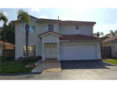 Doral Single Family Home For Sale: 10213 NW 57th St