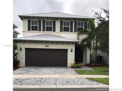 Doral Single Family Home For Sale: 10454 NW 70th Ln