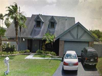 Cooper City Single Family Home Active-Available: 8645 Southwest 57 Manor