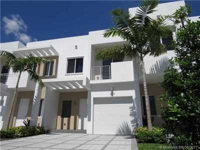 Doral Condo Active-Available: 7187 Northwest 103rd Path #7187
