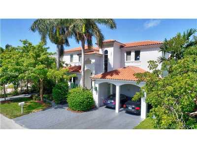 Key Biscayne Single Family Home For Sale: 270 Ridgewood Rd