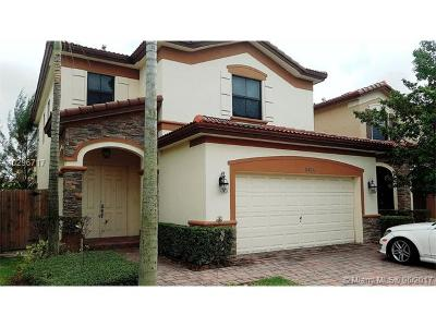 Doral Single Family Home For Sale: 10026 NW 89th Ter