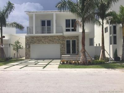 Doral Single Family Home For Sale: 8276 NW 34th St