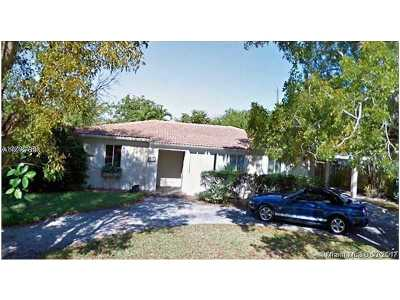 South Miami Single Family Home Active-Available: 8240 Southwest 62nd Ct