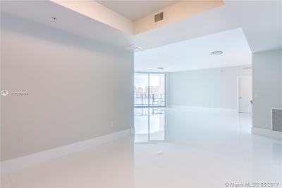 North Miami Beach Condo For Sale: 17301 Biscayne Blvd #708