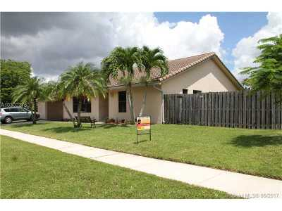 Weston Single Family Home Active-Available