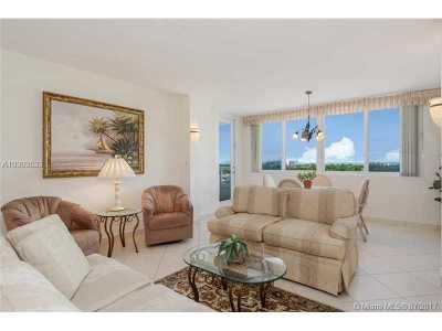 Miami Beach Condo For Sale: 5005 Collins Ave #906