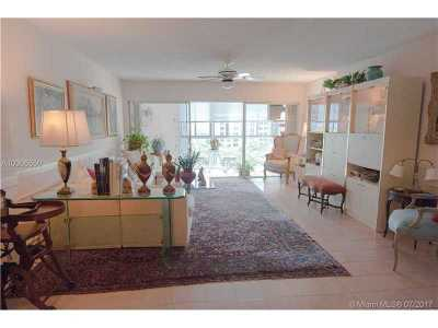 Key Biscayne Condo Active-Available: 550 Ocean Dr #9B