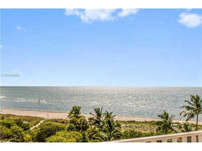 Key Biscayne Condo Active-Available: 200 Ocean Lane Dr #707