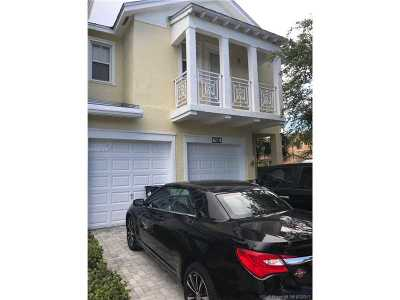 Doral Condo Active-Available: 7580 Northwest 114 Place #7580