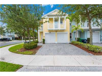 Doral Condo Active-Available: 7447 Northwest 107th Path #7447