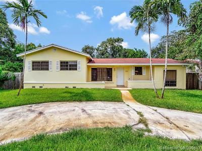 North Miami Single Family Home For Sale: 935 NE 149th St
