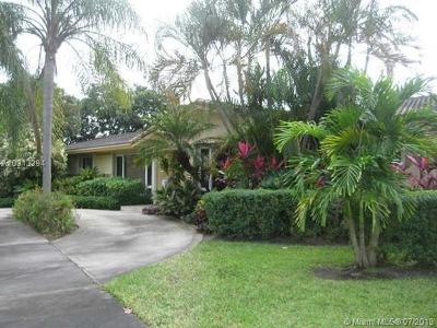 Hollywood Single Family Home Active-Available: 3720 South Longfellow Cir