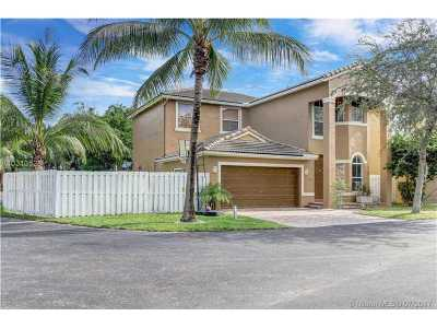 Fort Lauderdale Single Family Home Active-Available: 3721 Southwest 49