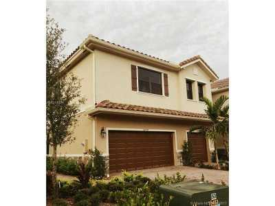 Tamarac Single Family Home Active-Available: 5899 Northwest 56th Place