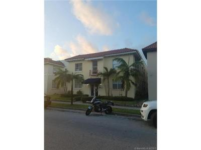 Coral Gables Condo For Sale: 119 Menores Ave #9