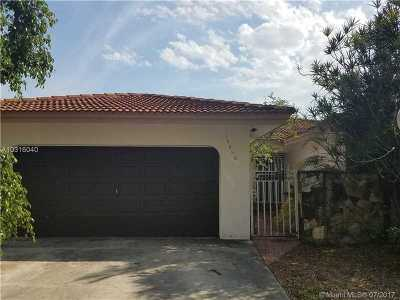 Single Family Home Active-Available: 14440 Southwest 108th St