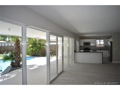 Hollywood Single Family Home Active-Available: 5024 Hayes St