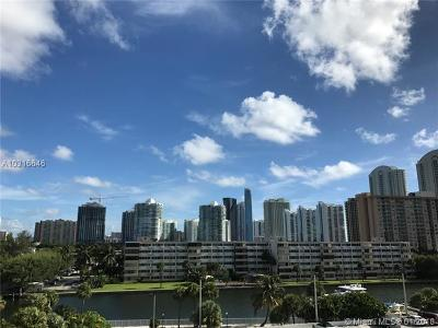Sunny Isles Beach Condo Active-Available: 300 Bayview Dr #515