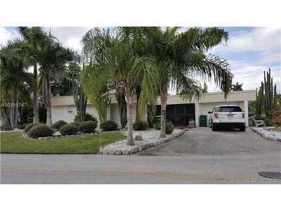Tamarac Single Family Home For Sale: 4805 Kumquat Dr
