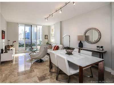 Miami Condo For Sale: 888 Brickell Key Dr #902