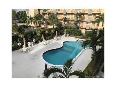 Hollywood Condo Active-Available: 2145 Pierce St #310