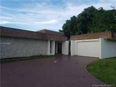 Tamarac Single Family Home For Sale: 4405 King Palm Dr