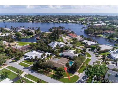 Palm Beach County Single Family Home For Sale: 11568 Landing Pl