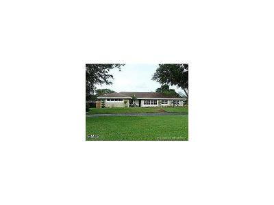 Davie FL Single Family Home Active-Available: $550,000