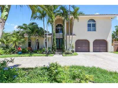 Fort Lauderdale Single Family Home Active-Available: 11 Castle Harbor Is