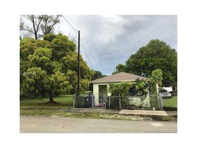 Fort Lauderdale Single Family Home Active-Available: 422 Northwest 7 Terr