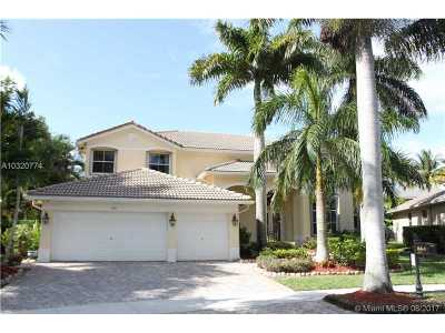 Weston Single Family Home For Sale: 864 Reflection Ln