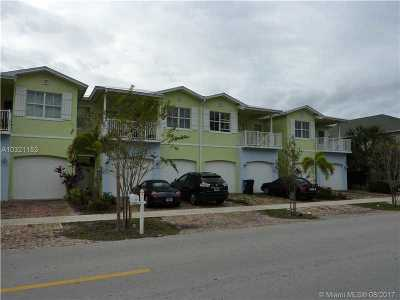 Fort Lauderdale Condo Active-Available: 824 Himmarshee St