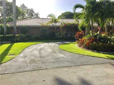 Palmetto Bay Single Family Home Active-Available: 16141 Southwest 83rd Ave