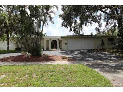 Plantation Single Family Home Active-Available: 5780 Southwest 16th St