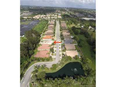 Davie Single Family Home Active-Available: 8379 Southwest 51st St