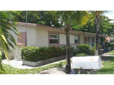 Deerfield Beach Single Family Home For Sale: 10 SW 5th Ct