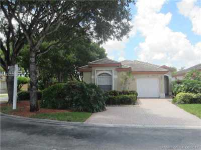 Doral Single Family Home Active-Available: 9914 Northwest 32nd St