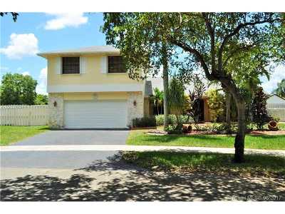 Davie Single Family Home Active-Available: 14600 Kirsten Ct