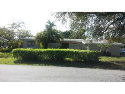 Palmetto Bay Single Family Home Active-Available: 13724 Southwest 79th Ct
