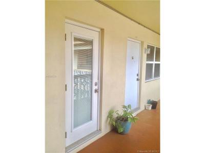 Hollywood Condo Active-Available