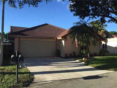 Plantation Single Family Home Active-Available: 9561 Northwest 18th Dr