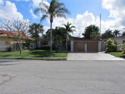 Fort Lauderdale Single Family Home Active-Available: 1012 Tangelo Isle