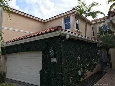 Hollywood Single Family Home Active-Available: 942 Harbor Vw